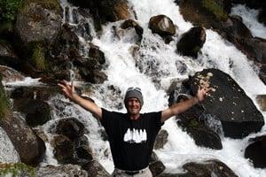 Gug Girard Waterfalling in Revy