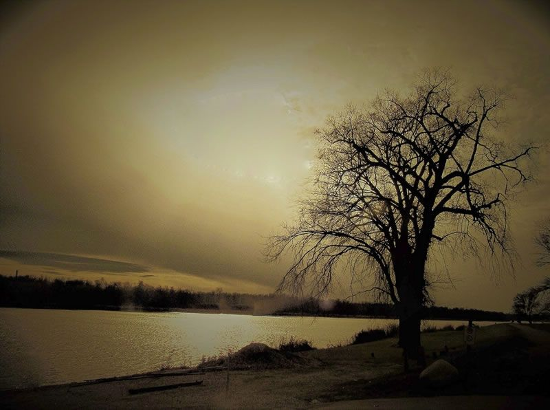 """It's a moody Manitoba morning, and I like it that way."" Sung by ""The Bells"".  (view from Selkirk Park, Selkirk, MB)."