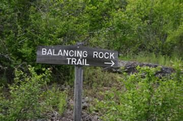 balancing-rock-trailhead