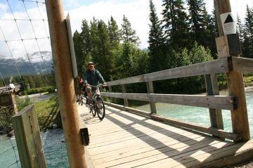 trail-bridge-railway-station20090715_91