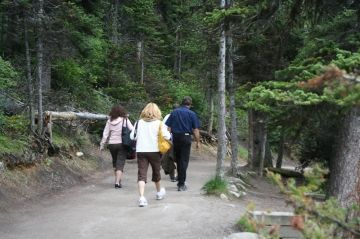 trail-hikers20090715_91