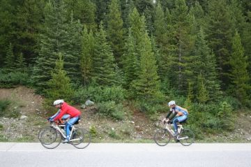 icefields-parkway-cyclists20090715_24
