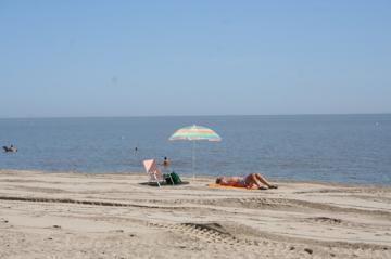gimli-beach-pic