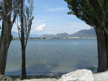 osoyoos_20050513_haynes_point_pp_-_view_across_lake_to_town