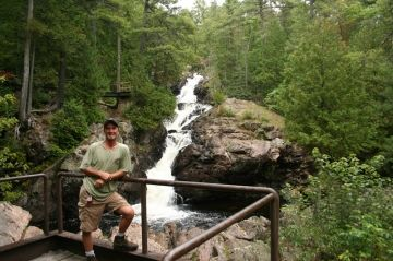 kinsmen-park-trails-bridge-waterfall-greg20090907_66