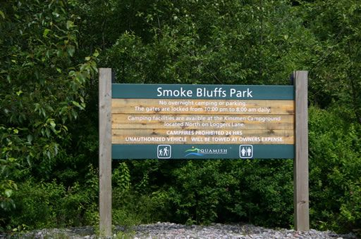 smoke_bluffs_sign
