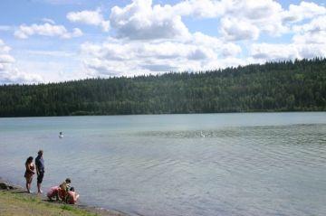 lac-la-hache_beach02