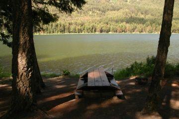 fountain_lake_table