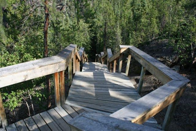 cameron-falls-trail10
