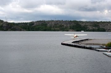 great_slave_lake_nwt_floatplane