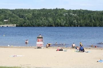 mactaquacmactaquac-lake-beach20100816_07