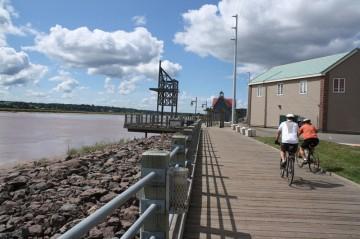 riverfront-path-bikes120100822_88