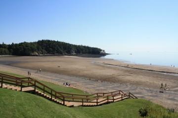 mispec-beach-lower-parking-lot-beach20100819_35