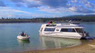 Houseboating on Lake Koocanusa
