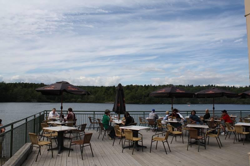 rockwood-park-lily-lake-pavillion-patio20100818_74
