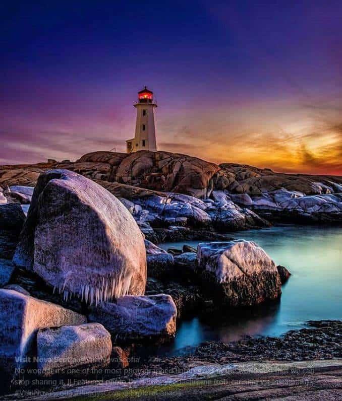 visit-nova-scotia-lighthouse