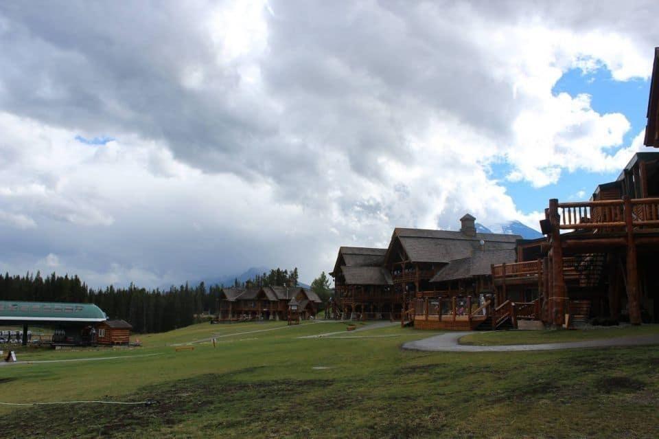 bb6256d82d515285fc25caba.jpg - Lake Louise, Alberta