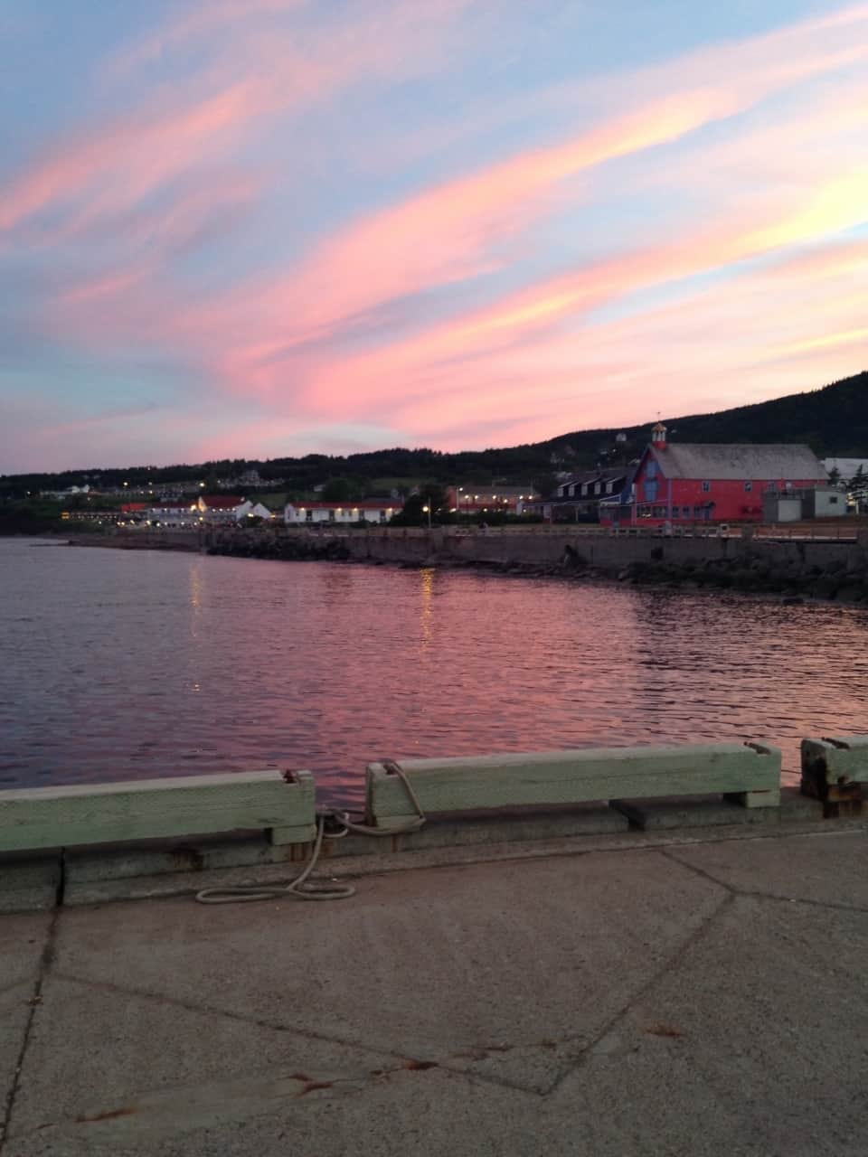 fd37a385a069bb253659948e.jpg - Perce, QC - Across Canada in search of #BIGselfies trip 2014<br />What a beautiful place to spend an evening