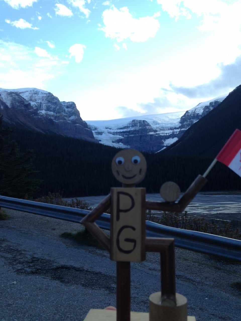 33902245ac720dfeeee2cbad.jpg - Outside of Banff, AB - Calgary road trip fall 2014