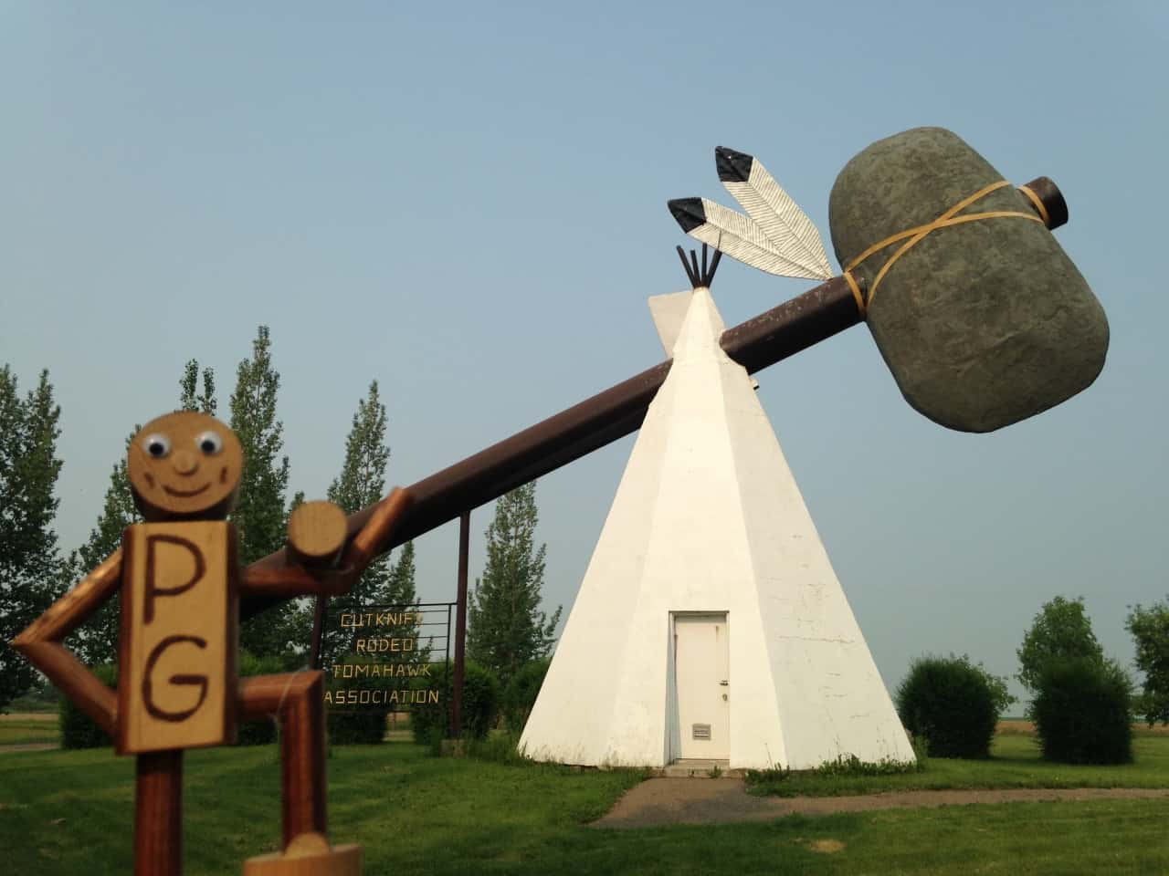 248d9d0b7bbcb106e2de1c11.jpg - Cut Knife, SK - Across Canada in search of #BIGselfies trip 2014<br />The worlds largest Tomahawk. I liked Cut Knife, a tiny town with a big personality and some awesome signage.