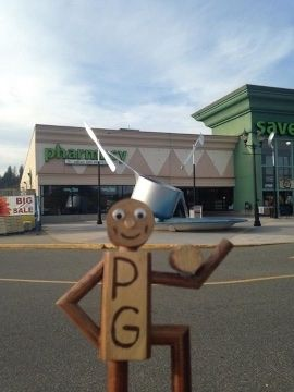 e6305f0379a72f7e198f96eb.jpg - Mission, BC - Summer 2015 road trip<br />This has to be the best grocery store for someone like myself in search of #BIGseflies. Not only does it have a giant pot and knife and fork but the front of the grocery store is actually made out to look like kitchen cupboards. Awesome stuff