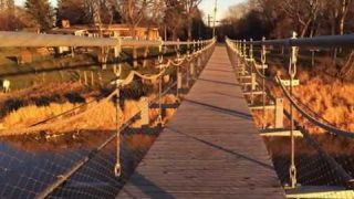 Souris Manitoba and the Swinging Bridge